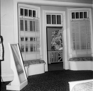 Photo: Structures 1 This room was once the drawing room with french doors opening on to the verandah in Seabank, Marine Parade, Southport, Queensland, April, 1973 [picture] / Bob Avery, photographer. Asset name LS-LSP-CD658-IMG0012