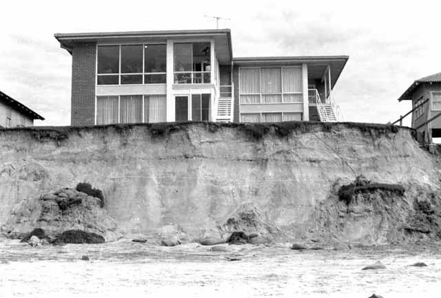 Photo: Beach 6 Beach erosion on the Gold Coast, 1967. [picture] Asset name LS-LSP-CD149-IMG0019