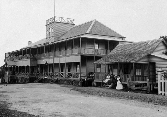 Photo: Entertainment 4 The Pacific Hotel, Marine Parade, Southport, Queensland, circa 1890s. Guy Hunt, photographer. LS-LSP-CD144-IMG0026