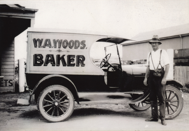 Photo: Work 6 W A Woods Bread Vendor with his Model T Ford delivery vehicle, Southport, Queensland, circa 1926 [picture] / Photographer unknown. Asset name LS-LSP-CD1023-IMG001